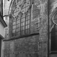 La base du clocher et le bras nord du transept vus du nord-ouest (1994)