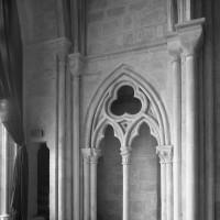 Le triforium du bras nord du transept vu vers le nord-est (1991)