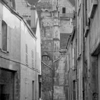 Les vestiges du clocher vus du nord (1974)