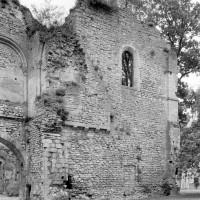 Le mur ouest de la chapelle vu vers le sud-est (1980)