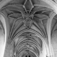Les voûtes de la croisée du transept et de la nef vues vers l'ouest