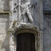 Le portail ouest à la base du clocher (2016)