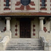 Le porche de l'église vu de l'ouest (2016)