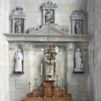 Le retable sculpté au mur est du bras sud du transept (2016)