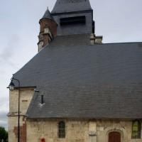 La partie ouest de l'église vue du sud (2016)