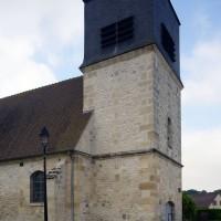 Vue partielle de la nef et du clocher depuis le nord-ouest (2016)