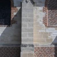 Contrefort du mur sud de la nef (2016)