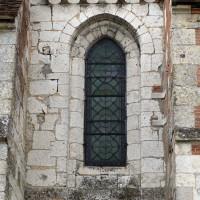 Fenêtre de la partie ouest du mur nord de la nef (2016)