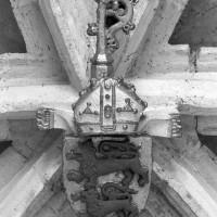 La clef-de-voûte aux armes de l'évêque Charles de Blanchefort (1994)