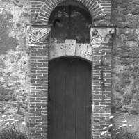 La portail de la chapelle au mur sud (1996)