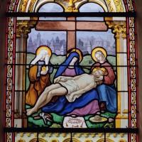 Vitrail de la Vierge au pied de la Croix (2003)