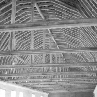 La charpente de l'ancien dortoir des converses dans l'aile nord (1992)