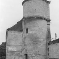 La tour ouest vue de l'ouest (1992)