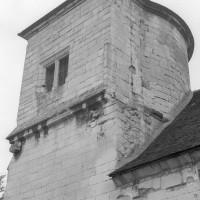 La partie supérieure de la tour ouest vue du sud-est (1992)
