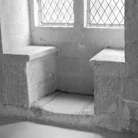 Coussiège d'une fenêtre du mur nord de l'aile ouest (1992)