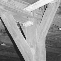 Détail de la charpente de la grange dimière (1992)