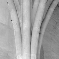 Retombée des voûtes sur un mur du chartrier (1992)