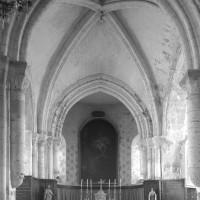 La seconde travée du choeur et l'abside vues vers l'est (1996)