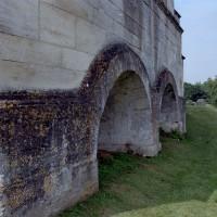 La crypte vue du sud-est (2007)