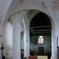 Vue partielle de la travée droite du choeur et de la croisée du transept vers l'ouest (2005)
