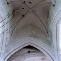 L'ancienne tour lanterne de la croisée du transept et sa voûte du milieu du 12ème siècle, vues vers l'est (2005)