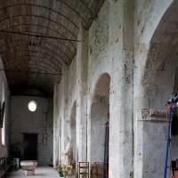 Le bas-côté sud de la nef vu vers l'ouest (2006)