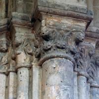 Chapiteaux au nord de l'arcade ouest de l'abside (2006)