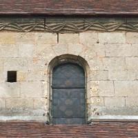 Vue partielle du mur gouttereau sud de la nef (2007)