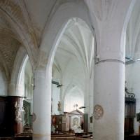 Le bas-côté nord et la nef vus vers le sud-est (2008)