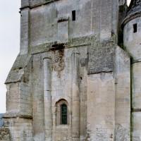 La base du clocher vue du nord (2007)