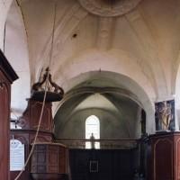 La travée du clocher et la chapelle nord vus vers le nord (2004)