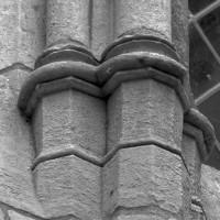 Bases d'une fenêtre du mur nord de la chapelle (1999)