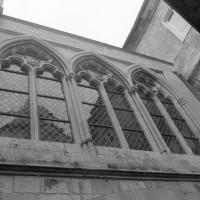 Les fenêtres du mur nord de la chapelle de l'abbé (1999)