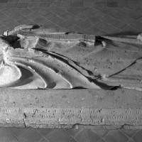 Gisant de l'abbé Nicolas Corbel, mort en 1418 (1999)