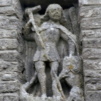 Détail d'un bas-relief remonté dans le bras sud du transept (2007)