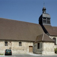 L'église vue du sud-ouest avant restauration (2002)