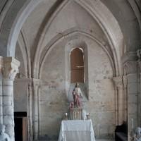 Le choeur du 12ème siècle vu vers l'est (2002)