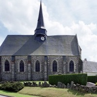 L'église dans son environnement vue du nord (2005)