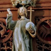 Le Christ, au centre de la balustrade (2005)