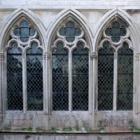 Les fenêtres du mur nord de la chapelle de l'abbé (2004)