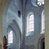 L'intérieur de la base du clocher vue vers le sud-est (2007)