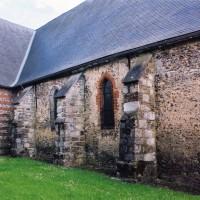 La nef et le bras nord du transept vus du nord-ouest (2005)