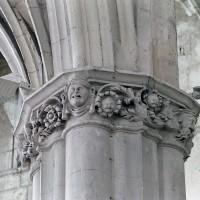 Chapiteau de la croisée du transept (2001)