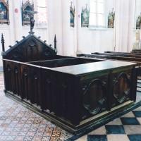 Le banc d'oeuvre néo-gothique (2004)