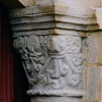 Chapiteau de l'arcade ouest du clocher (2003)