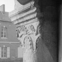 Chapiteau de l'arcade ouest du clocher (1969)