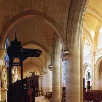 Le bas-côté nord de la nef vu vers l'est (2006)