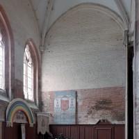 Le bras sud du transept, base du clocher, vu vers le sud-ouest (2003)