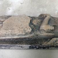 Le gisant de Guillaume II de Flavacourt (?) dans la dernière travée du choeur (2003)