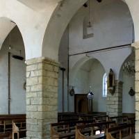 Vue partielle de la nef vers le nord-ouest depuis le bas-côté sud (2006)